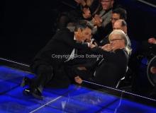 14/11/2011 Roma, Prima puntata del programma di raiuno, ILPIUGRANDESPETTACOLODOPOILWEEKEND, NELLA FOTO ROSARIO FIORELLO con il direttore di raiuno Mauro Mazza