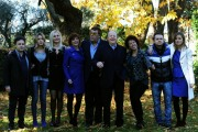 foto:IPP/Gioia Botteghi 19/12/2012 Roma, Fiction Mediaset Natale a 4 zampe, nella foto: il cast con il regista ( sx) Paolo Costella