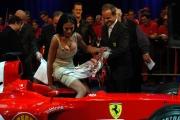 Barrichello con Maria Grazia Cucinotta alla trasmissione Porta a porta