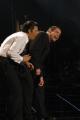 John Travolta e fiorello nell'imitazione del gobbo di Notre Dame