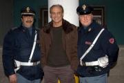 16/2/05 NapoliLA SQUADRA raitre Massimo Bonetti, con due poliziotti veri
