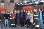 Gioia Botteghi/OMEGA 13/11/06Presentazione del film per Canale 5 CODICE ROSSOnelle foto tutto il cast  con i vigili del fuoco veri