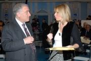 12/02/07 puntata di porta a porta in onda il 12701 nelle foto  Marcello Dell'Utri con le pagine fotocopiate dei presunti diari di Mussolini ne discute con la nipote Alessandra