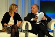 12/02/07 puntata di porta a porta in onda il 12701 nelle foto Alessandra Mussolini mentre legge alcune fotocopie dei presunti diari del nonno con Dell'Utri