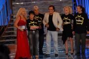 15/09/07 Gioia Botteghi/OMEGA Prima puntata di IL TRENO DEI DESIDERI condotto da Antonelle Clerici con lei nella foto Al Bano e la famiglia Pierantozzi