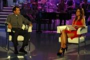 30/09/07 OMEGA/Gioia BotteghiPrima puntata di Buona Domenica , nelle foto Paola perego con Don Sante Sguotti il parroco della Provincia di Abano