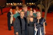 23/10/07Festa del cinema di Roma, tappeto rosso, nelle foto: Renzo Arbore co Lucio Dalla, Liliana e Diana De Curtis