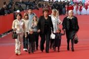 26/10/07 Festa del cinema di Roma presentazione del film COME D'INCANTO Anna e Carla Fendi con nipotini