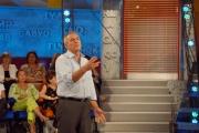 gioia botteghi/markanews 13/09/08 roma, lamberto sposini nel suo studio rai della trasmissione _la vita in diretta_ raiuno