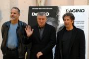 gioia botteghi/markanews 16/09/08 roma presentazione del film _sfida senza regole_nella foto: al pacino, de niro ed il regista Jon Avnet