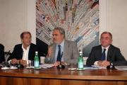 mattoni/markanews 1/10/08 roma conferenza stampa di presentazione de _la bibbia giorno e notte_ nella foto l'ideatore giuseppe de carli con il vicesindaco cutrufo e giovanni minoli