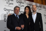 mattoni/markanews 5/11/08 presentazione del film _quantum of solace_ nella foto : olga kurylenko  giancarlo giannini, il regista marc forster