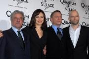 mattoni/markanews 5/11/08 presentazione del film _quantum of solace_ nella foto : olga kurylenko e daniel graig , giancarlo giannini, il regista marc forster