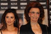 Foto IPP/Gioia Botteghi  Roma 13/01/2010 presentazione del film NINE, nella foto: Penelope Cruz,  Sophia Loren,