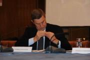 Foto IPP/Gioia Botteghi  Roma 4/02/2010 presentazione in rai PER IL TUO CUORE, nella foto il Ministro della salute Ferruccio Fazio, intervenuto alla presentazione, ha problemi con il cuore ma quello con la spilletta lampeggiante