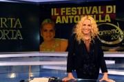 Foto IPP/Gioia Botteghi  Roma 23/02/2010 porta a porta puntata sul Festival di San Remo, nella foto: Antonella Clerici