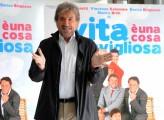 foto:IPP/Gioia Botteghi Roma 26/03/2010 Presentazione del film LA VITA E' UNA COSA MERAVIGLIOSA, nella foto: Gigi Proietti