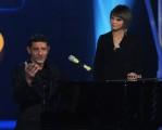 Foto/IPP/Gioia Botteghi Roma 21/10/2010 terza puntata di Peter Pan, nella foto: Luca Laurenti canta con Alessandra Amoroso