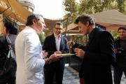 10 foto Roma12/10/2010 Presentazione del film musicale PASSIONE, regia di John Turturro, con Rosario Fiorello, Beppe Servillo e Raiz, nella foto con il grande cuoco Filippo Lamantia