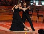 10 foto Roma 26/02/2011 Prima puntata di BALLANDO CON LE STELLE, nella foto:  Roberto Vecchioni e Natalia Titova