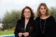 foto/IPP/Gioia Botteghi 13/12/2011 Roma, presentazione della fiction in 8 puntate per raiuno, CHE DIO CI AIUTI, nella foto :  Elena Sofia Ricci con Valeria Fabrizi