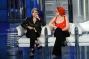 foto/IPP/Gioia Botteghi 20/02/2012 Roma, Emma e Noemi ospite di porta a porta
