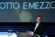 foto/IPP/Gioia Botteghi 24/02/2012 Roma, Tiziano Ferro ospite di Lilli Gruber alla trasmissione 8 e mezzo