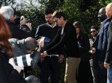 foto/IPP/Gioia Botteghi 9/03/2012 Roma,  presentazione del film Lorax, nella foto Zac Efron firma autografi a Villa Borghese