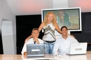 foto:IPP/Gioia Botteghi 30/09/2012  Roma ALLE FALDE DEL KILIMANGIARO rai tre, nella foto Licia Colò nella postazione interattiva con Giuseppe Pinetti e Mirko Bruni