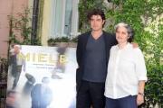 Foto/IPP/Gioia Botteghi 29/04/2013 Roma presentazione del film Miele nella foto Riccardo Scamarcio e Viola Prestieri i due produttori del film