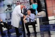 Foto/IPP/Gioia Botteghi   01/12/2014 Roma Vespa ed il vaccino in studio di Porta a porta , il medico Walter Marrocchi, il vaccinato Giacomo Milillo