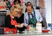 Foto/IPP/Gioia Botteghi    02/12/2014 Roma Bruno Vespa ospite di Antonella Clerici alla prova del cuoco la sua sfidante è  Antonella Martinelli sua caporedattrice