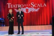 Foto/IPP/Gioia Botteghi 19/12/2014 Roma  serata speciale Un mondo da amare per rai uno, nella foto : Antinella Clerici e  Matteo Renzi