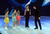 Foto/IPP/Gioia Botteghi 21/02/2015 Roma. prima puntata di Notti sul ghiaccio rai uno, nella foto: Milly Carlucci e le sue giovani aiutanti