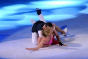 Foto/IPP/Gioia Botteghi 28/02/2015 Roma seconda puntata di Notti sul ghiaccio, nella foto: Giorgio Rocca e Eve Bentley la caduta