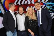 Foto/IPP/Gioia Botteghi 10/09/2015 Roma presentazione della trasmissione TI LAscio una canzone, nella foto: il maestro Pinuccio Pierazzoli con Antonella Clerici, Pani e Frizzi