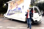 Foto/IPP/Gioia Botteghi 26/09/2017 Roma, presentazione della nuova seria di rai 2 Nemo nessuno escluso, nella foto: Enrico Lucci sotto viale Mazzini