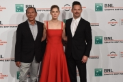 Foto/IPP/Gioia Botteghi 26/10/2017 Roma Festa del cinema di Roma photocall regista Scott Cooper, Rosamund Pike, Wes Studi Italy Photo Press - World Copyright