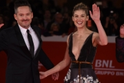 Foto/IPP/Gioia Botteghi 26/10/2017 Roma Festa del cinema di Roma red carpet  Scott Cooper, Rosamund Pike Italy Photo Press - World Copyright