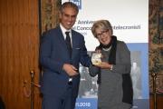 Foto/IPP/Gioia Botteghi Roma21/11/2018  Presentazione 50° anniversario del Concorso Radiotelecronisti Rai, nella foto il presidente della Rai Marcello Foa premia Angela Buttiglione Italy Photo Press - World Copyright