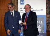 Foto/IPP/Gioia Botteghi Roma21/11/2018  Presentazione 50° anniversario del Concorso Radiotelecronisti Rai, nella foto il presidente della Rai Marcello Foa premia Giorgio Martino Italy Photo Press - World Copyright