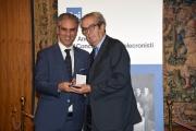 Foto/IPP/Gioia Botteghi Roma21/11/2018  Presentazione 50° anniversario del Concorso Radiotelecronisti Rai, nella foto il presidente della Rai Marcello Foa premia Vittorio Roidi Italy Photo Press - World Copyright