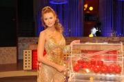 Roma 22/09/2009 trasmissione _Affari tuoi speciale la lotteria_ nella foto la dea della fortuna Alessandra Cirotto