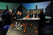 28/02/2016 Roma Lucia Annunziata a IN MEZZ'ORA,presenta i sei candidati alle primarie del PD, nalle foto: Chiara Ferraro ( con il papà), Morassut, Rossi, Giachetti, Pedica, Mascia