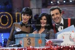 20/12/2015 Roma cifra finale telethon nella trasmissione i fatti vostri, nella foto: Insinna, Ferreri , Baby K