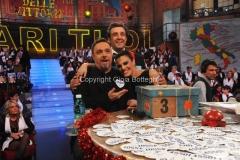 20/12/2015 Roma cifra finale telethon nella trasmissione i fatti vostri, nella foto: Insinna, Guaccero, Cirilli