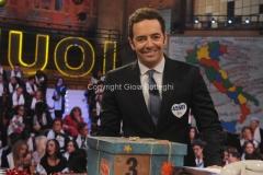 20/12/2015 Roma cifra finale telethon nella trasmissione i fatti vostri, nella foto: Alberto Matano