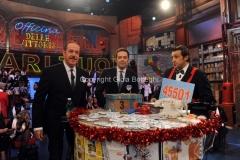 20/12/2015 Roma cifra finale telethon nella trasmissione i fatti vostri, nella foto: Insinna, Lopez, Alberto Matano