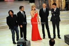 07/12/2013 Roma ultima puntata di Ballando con le stelle, nella foto: Milly Carlucci con Lillo Greg, Paolo Kessisoglu e Luca Bizzarri