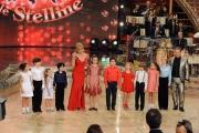Roma 9/01/2010 prima puntata di BALLANDO CON LE STELLE, nella foto: Milly Carlucci con Paolo Belli ed i bambini